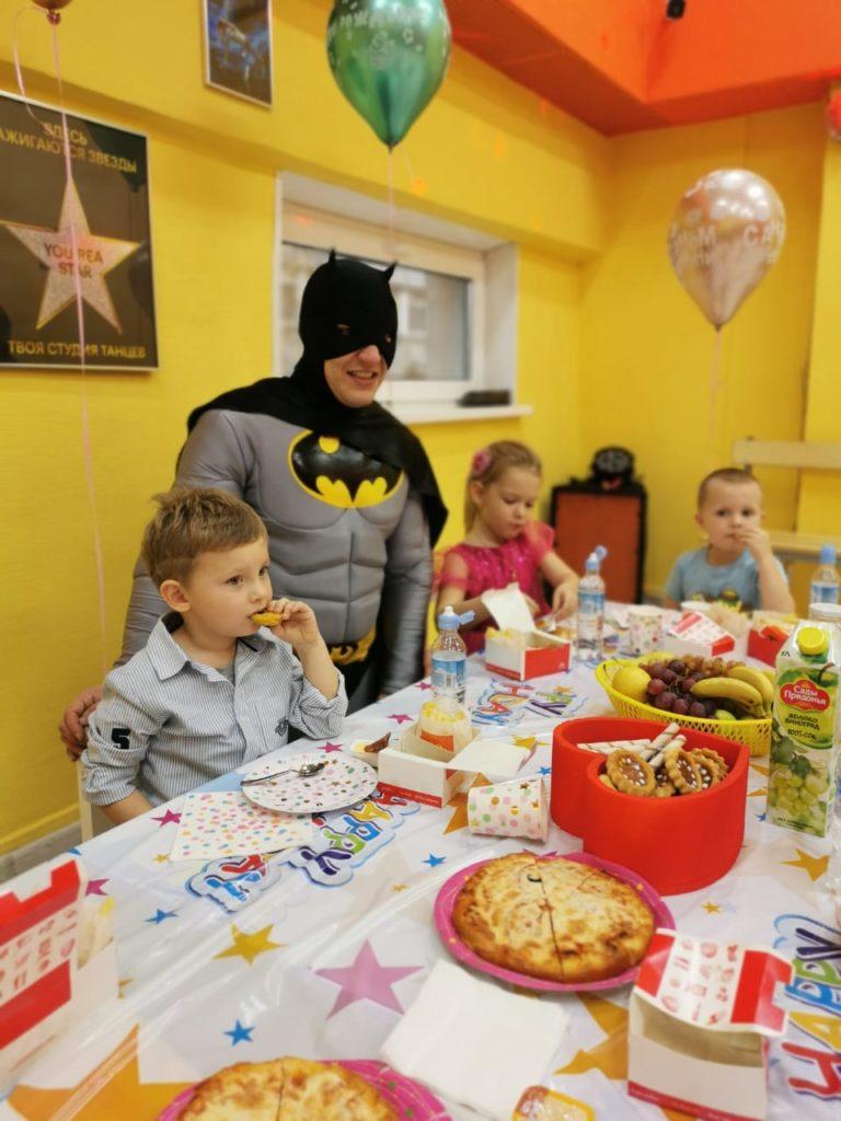 Бэтман в отрадном